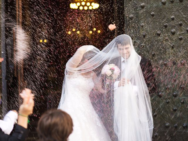 La boda de Juan y Victoria   en Valencia, Valencia 12