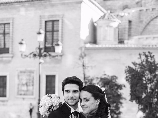 La boda de Juan y Victoria   en Valencia, Valencia 14