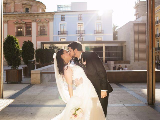 La boda de Juan y Victoria   en Valencia, Valencia 15