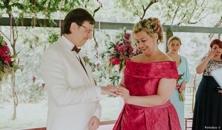La boda de Nicolás y Marina en Redondela, Pontevedra