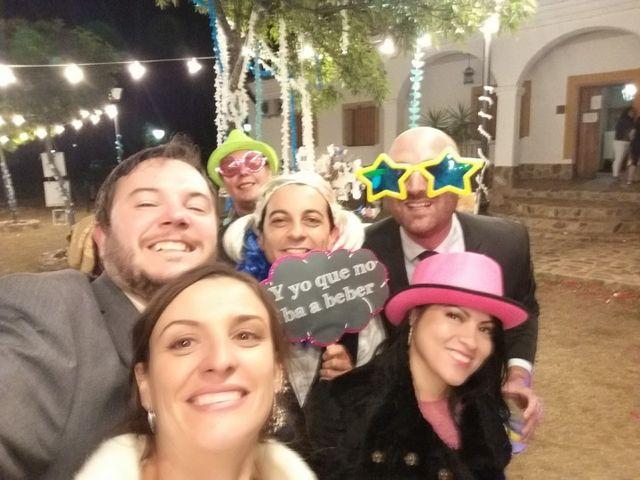 La boda de Miriam y Miguel Angel en Santiago De Alcantara, Cáceres 4