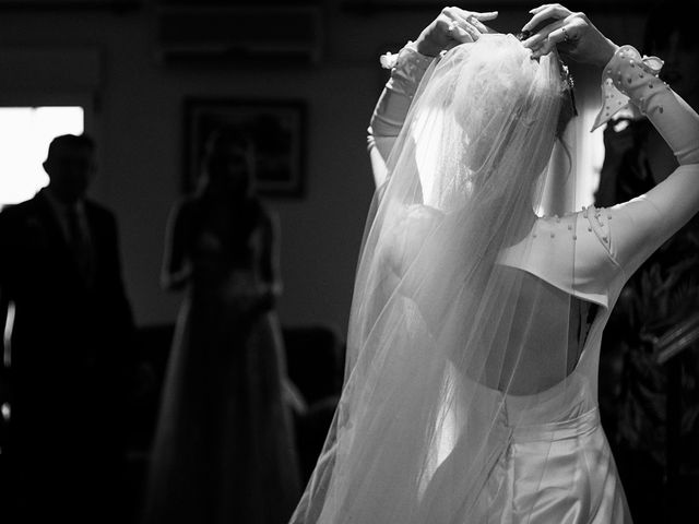 La boda de Enrique y Inma en El Puig, Valencia 14