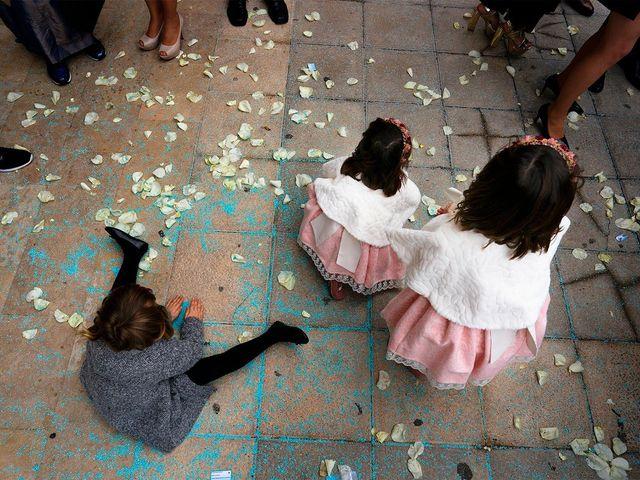 La boda de Enrique y Inma en El Puig, Valencia 33