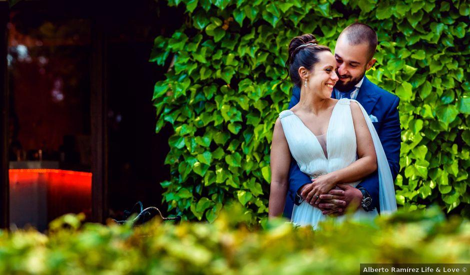 La boda de Juan y Natalia en Villanueva De La Cañada, Madrid