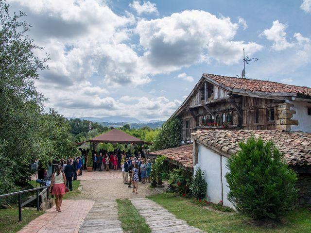 La boda de Javier y Leire en Sopelana, Vizcaya 26