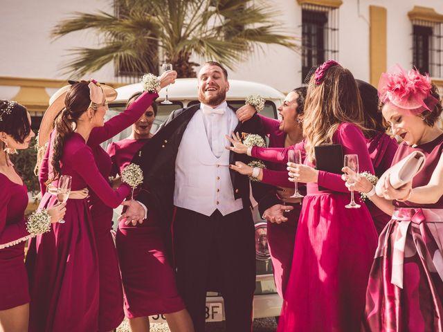 La boda de Javi y Isa en Sevilla, Sevilla 75