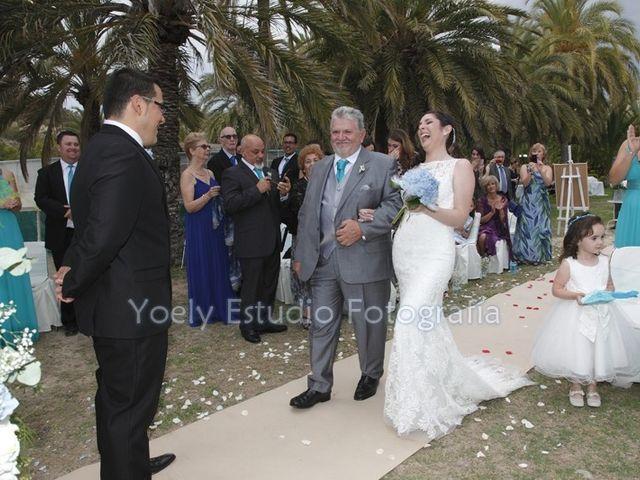 La boda de Fredy  y Trisha  en L' Alfàs Del Pi, Alicante 20