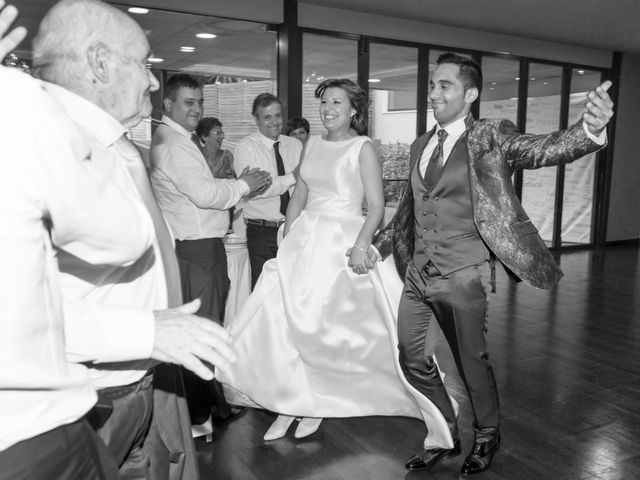 La boda de Manu y Tamara en Santiago De Compostela, A Coruña 24