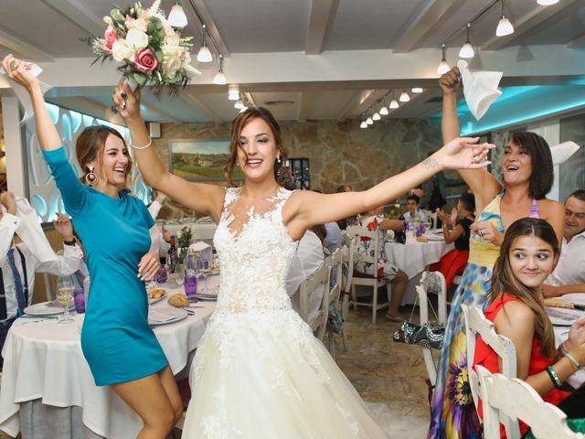 La boda de Egoitz y Maitane en Laukiz, Vizcaya 27