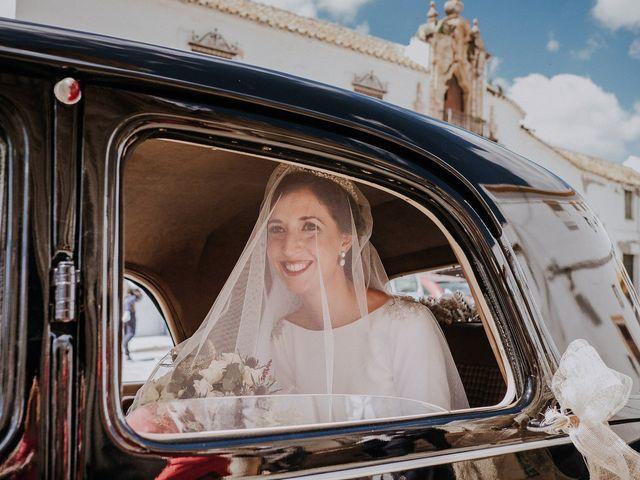 La boda de Alejandro y Carmen en Marchena, Sevilla 40