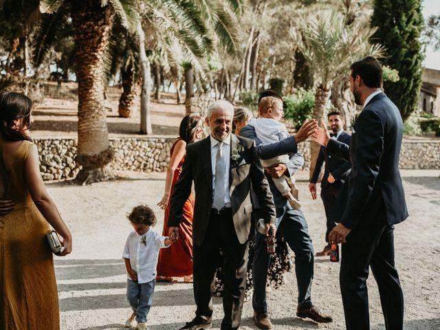 La boda de Alberto y Carolina en Montuïri, Islas Baleares 24