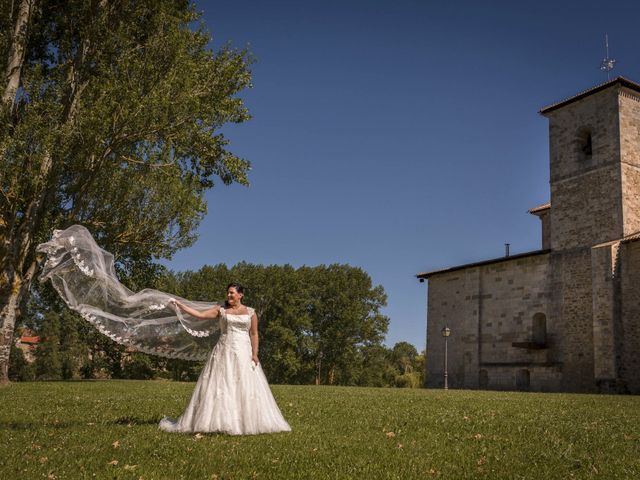 La boda de Andrés y Arantza en Vitoria-gasteiz, Álava 21