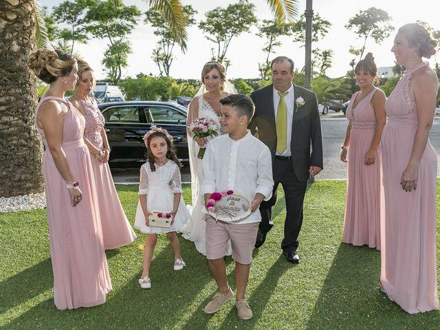 La boda de José Antonio y Agueda en Santiponce, Sevilla 20