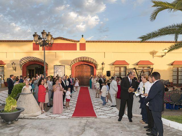 La boda de José Antonio y Agueda en Santiponce, Sevilla 39
