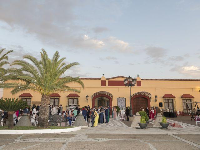 La boda de José Antonio y Agueda en Santiponce, Sevilla 43