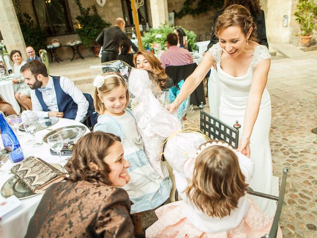 La boda de Felipe y Victoria en Jarandilla, Cáceres 15