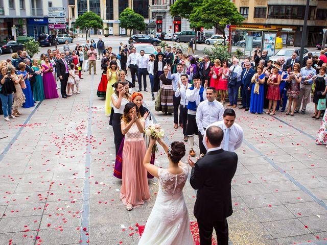 La boda de Luis Manuel y Ana Rosa en Avilés, Asturias 2