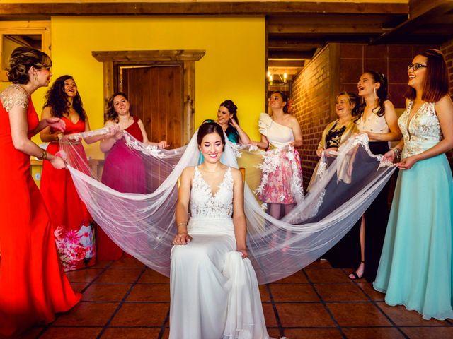 La boda de Juanjo y Vanessa en Navaluenga, Ávila 36