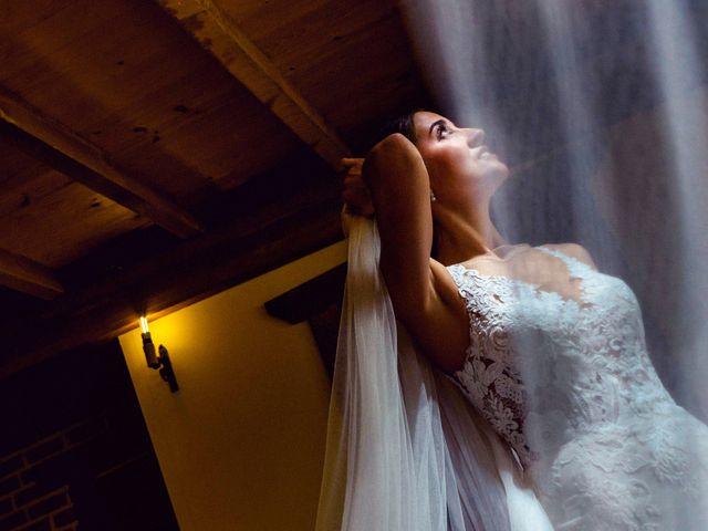 La boda de Juanjo y Vanessa en Navaluenga, Ávila 38