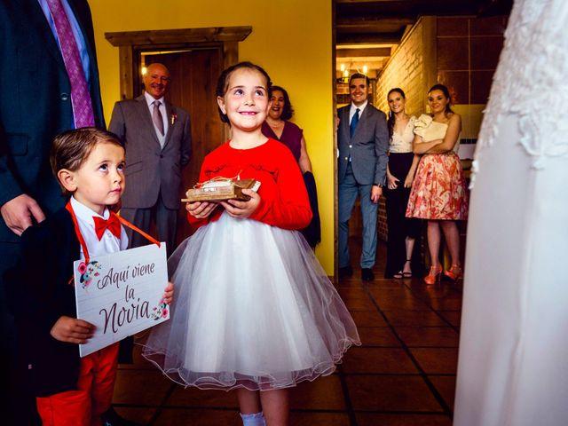 La boda de Juanjo y Vanessa en Navaluenga, Ávila 39