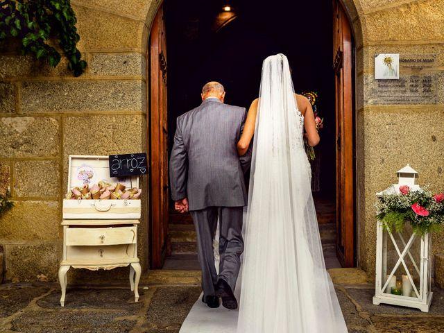 La boda de Juanjo y Vanessa en Navaluenga, Ávila 49
