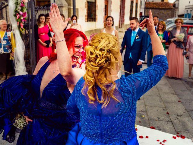 La boda de Juanjo y Vanessa en Navaluenga, Ávila 56