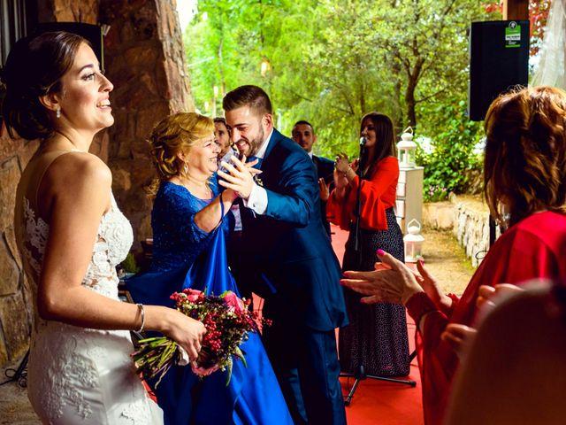La boda de Juanjo y Vanessa en Navaluenga, Ávila 68