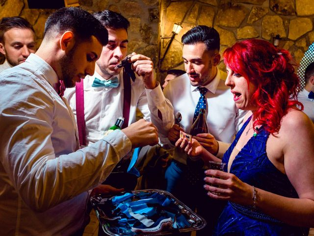 La boda de Juanjo y Vanessa en Navaluenga, Ávila 79
