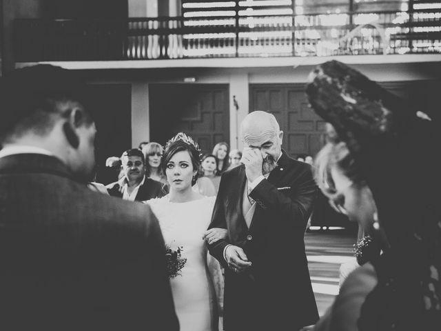La boda de Carlos y Amparo en Villarta De San Juan, Ciudad Real 20