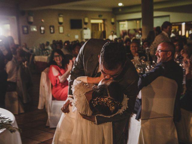 La boda de Carlos y Amparo en Villarta De San Juan, Ciudad Real 33