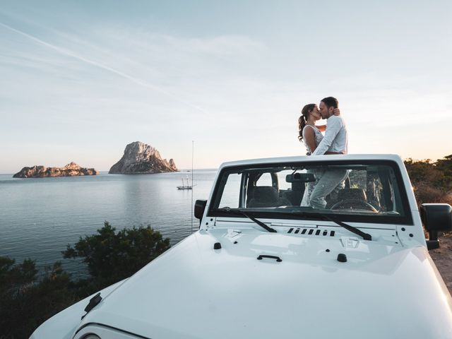 La boda de Adam y Aggie en Eivissa, Islas Baleares 23