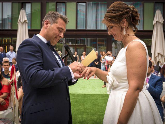 La boda de Aitor y Elena en Vitoria-gasteiz, Álava 24