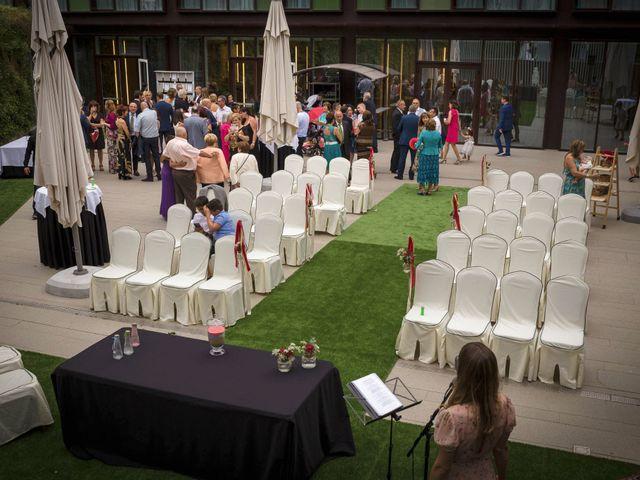 La boda de Aitor y Elena en Vitoria-gasteiz, Álava 33