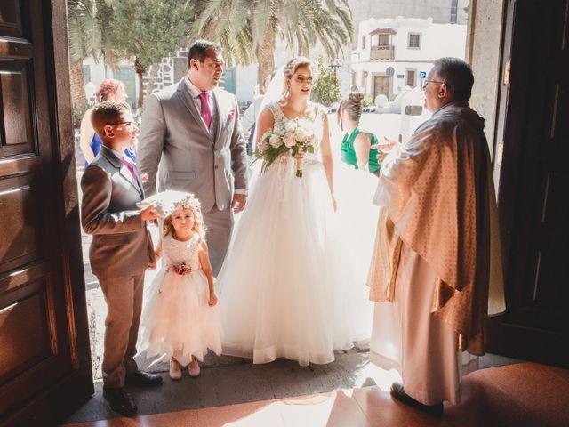 La boda de Adrian y Dayana en Arrecife, Las Palmas 7