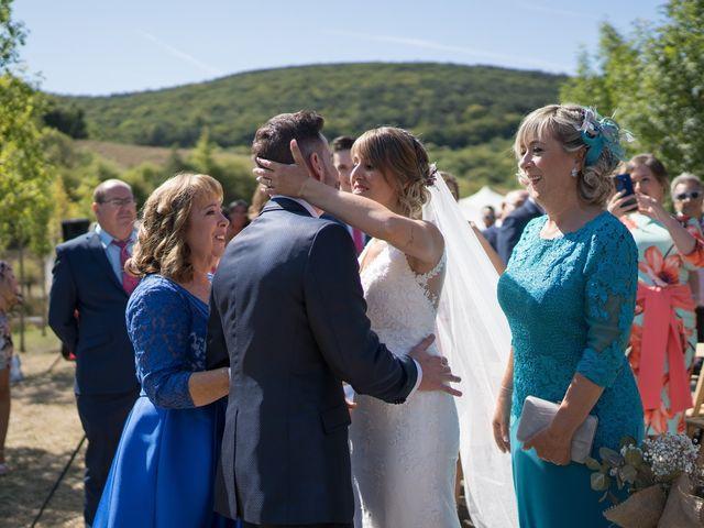 La boda de Arturo y Lorena en Beraiz, Navarra 5