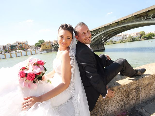 La boda de Javier y Rosa en Carmona, Sevilla 19