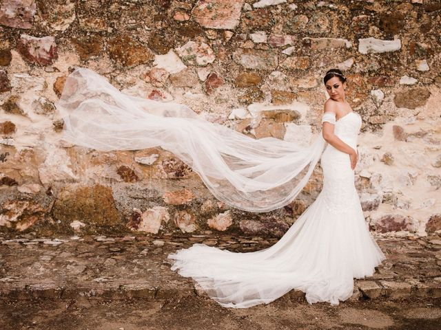 La boda de Rafa y Cristina en Ballesteros De Calatrava, Ciudad Real 1