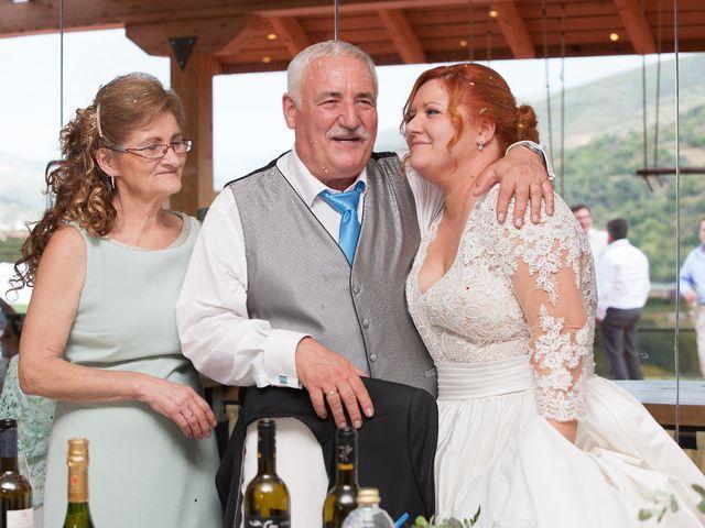 La boda de Mario y Chari en Vilamartin De Valdeorras, Orense 18