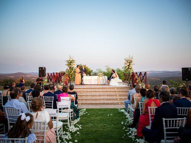 La boda de Benito y Mª. Ángeles en Jerez De Los Caballeros, Badajoz 16
