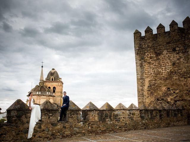 La boda de Benito y Mª. Ángeles en Jerez De Los Caballeros, Badajoz 38