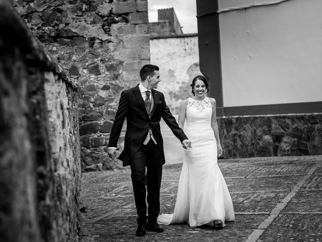 La boda de Benito y Mª. Ángeles en Jerez De Los Caballeros, Badajoz 49
