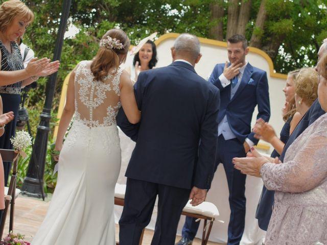 La boda de Laura y Javi en Castelló/castellón De La Plana, Castellón 18