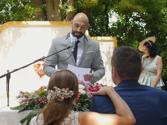 La boda de Laura y Javi en Castelló/castellón De La Plana, Castellón 23