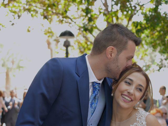 La boda de Laura y Javi en Castelló/castellón De La Plana, Castellón 25