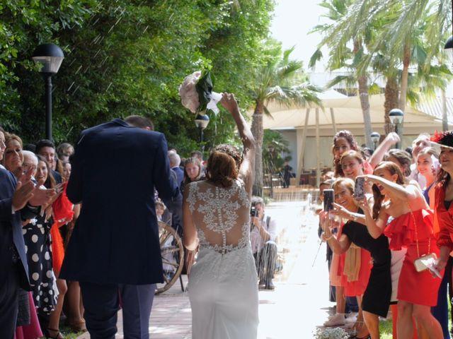 La boda de Laura y Javi en Castelló/castellón De La Plana, Castellón 27
