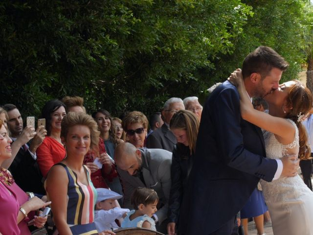 La boda de Laura y Javi en Castelló/castellón De La Plana, Castellón 29