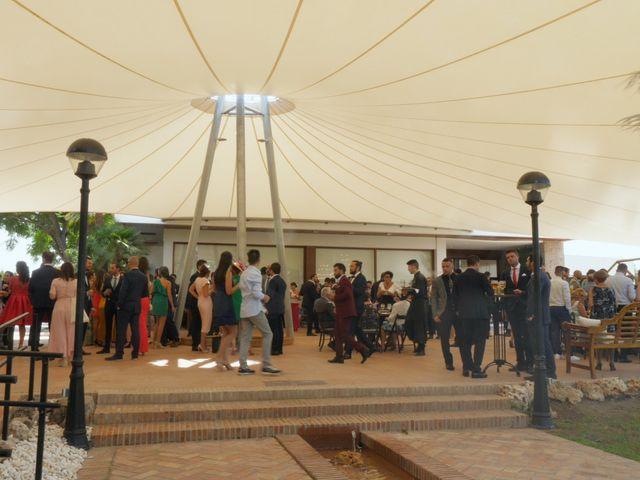 La boda de Laura y Javi en Castelló/castellón De La Plana, Castellón 30
