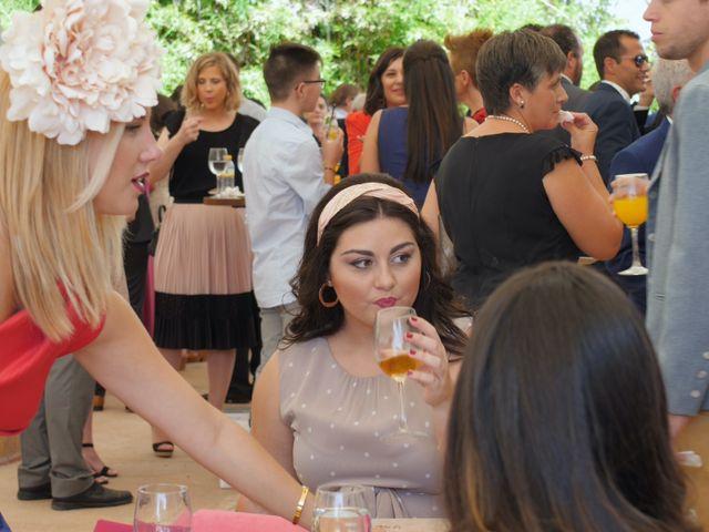 La boda de Laura y Javi en Castelló/castellón De La Plana, Castellón 33