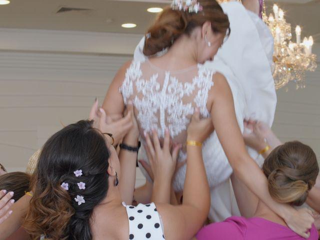 La boda de Laura y Javi en Castelló/castellón De La Plana, Castellón 42