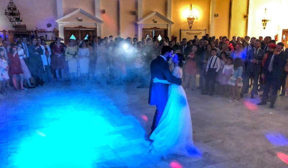 La boda de Irene y Isaac en Castilblanco De Los Arroyos, Sevilla